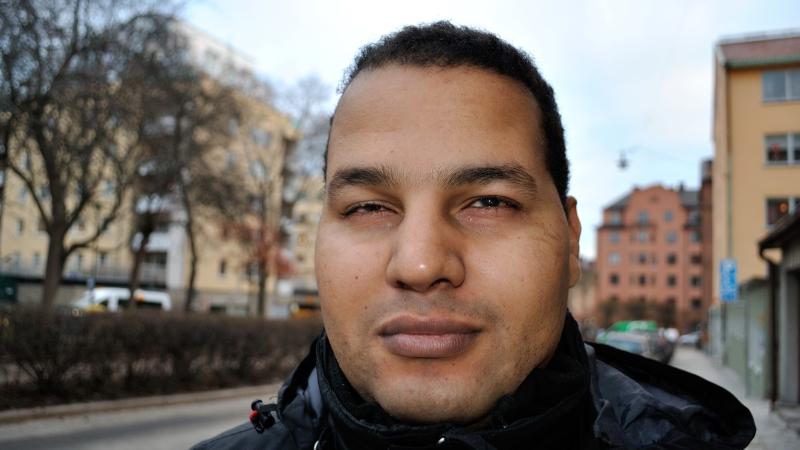 Närbild på ombudsman Hamaddah Mansour med bruna ögon och kort mörkt hår.