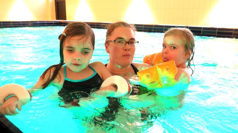 Sportlovslediga Liv med mamma Sofie och lillasyster Ebba
