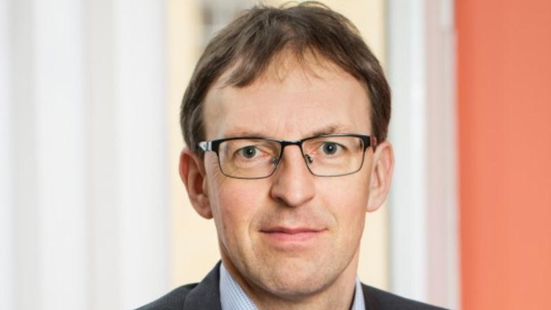 Närbild av man med glasögon. Magnus Thyberg, vaccinationssamordnare, Stockholm.